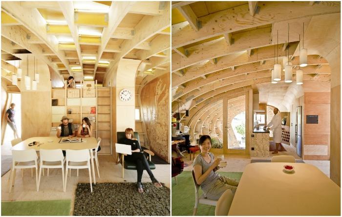 Столовая в эко-домике рассчитана больше чем на 6 гостей (Fab Lab House, Испания). | Фото: grinhome.blogspot.com/ top.funnyreps.club.