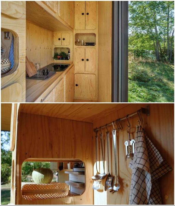 Мини-кухня контейнерного дома (Gaia, проект Pin-Up Houses).