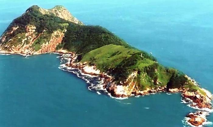 Змеиный остров.