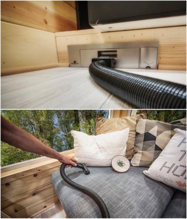 Встроенная система пылесоса имеет разветвленный воздуховод, проходящий по всему дому. | Фото: backcountrytinyhomes.com.