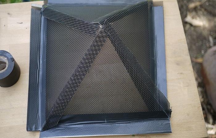 Процесс работы с гранями пирамиды.