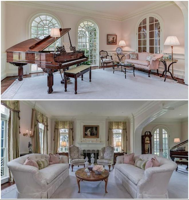 В особняке есть свой музыкальный зал с роялем и мягкими диванами (Round Hill, Мэриленд). | Фото: dailymail.co.uk/ lemurov.net.