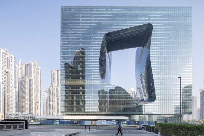Отель «The Opus» уже рассматривается как уникальное произведение архитектурного искусства (Дубай). ¦ Фото: newatlas.com/ © Laurian Ghinitoiu.