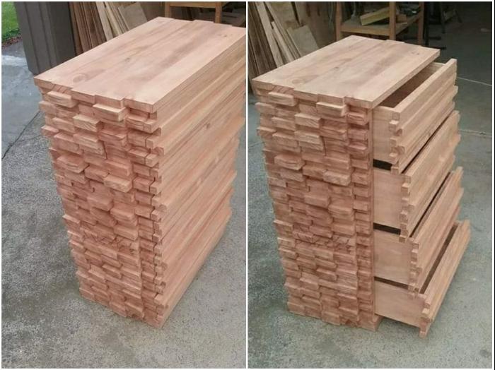 Аккуратно сложенная стопка деревянных реек оказалась оригинальным комодом с выдвижными ящиками (работы Henk Verhoeff). | Фото: facebook.com/ © One Of A Kind Woodwork Creations By Henk.