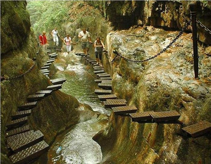 Лестница для любителей экстрима в горах Taihang