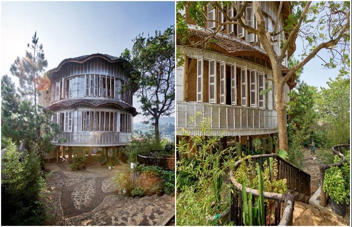 Фасад жилой резиденции обшит панелями из переработанного пластика (Piyandeling, Индонезия).