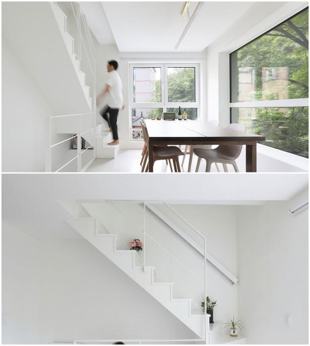 Узкая крутая лестница позволяет добраться в нужную комнату-этаж (Seroro House, Сеул).