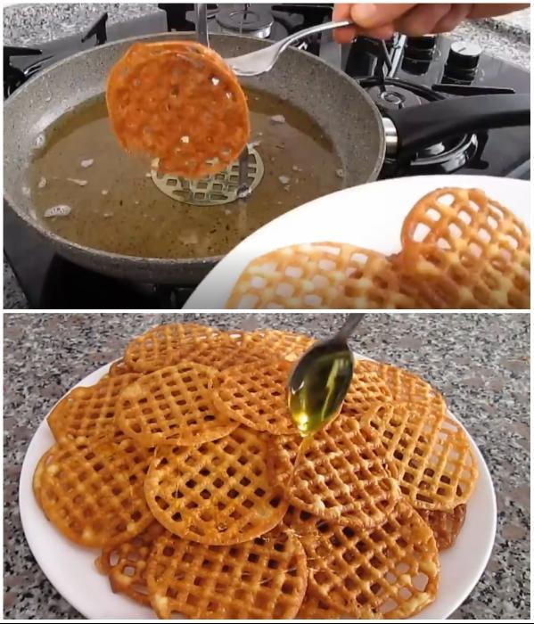 После того, как закончите жарить «хворост», его можно полить жидким медом. | Фото: youtube.com/ © Pratik Yemek Tarifleri.