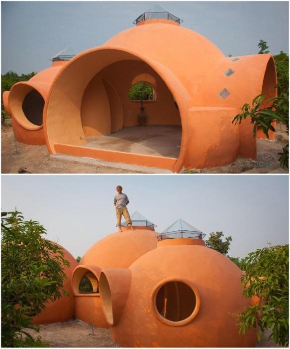 В каждом куполе необычного коттеджа находится отдельная комната (Earthen Dome Home, Таиланд). | Фото: intelligentliving.co/ ©Steve Areen.