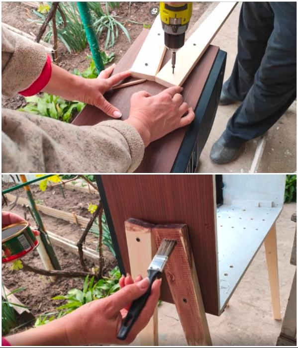Готовые ножки закрепляем на боковых стенках и вскрываем их морилкой, а затем лаком. | Фото: youtube.com/ © Шебби-Шик.