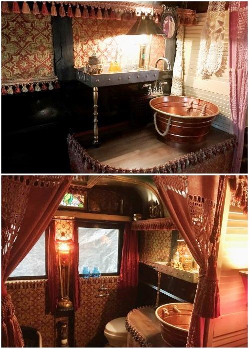 Рукомойник и кухонная мойка были сделаны из оцинкованных тазиков («Цыганский дом» на колесах).