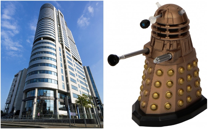 За схожесть высотки Bridgewater Placeс расой мутантов из фантастического сериала «Doctor Who», ее прозвали The Dalek (Лидс, Великобритания).
