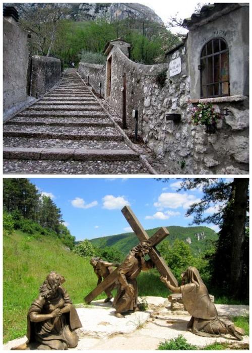 Часть дороги к святилищу символизирует путь Христа на Голгофу (Santuario Madonna della Corona). | Фото: yael-shoshany.livejournal.com.