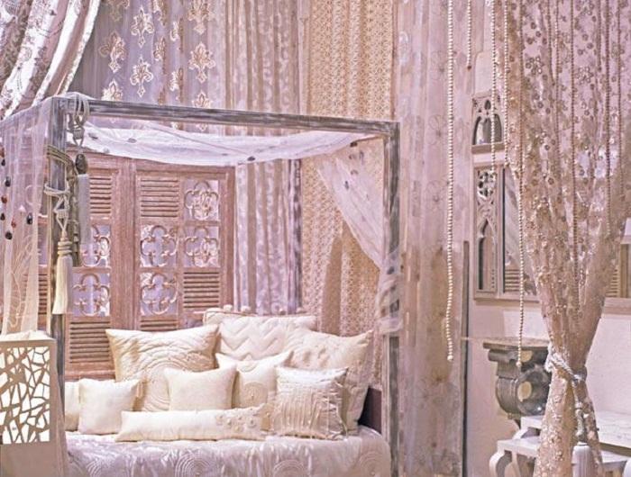 Роскошный интерьер спальни дочери Иши (Антилия, Индия).