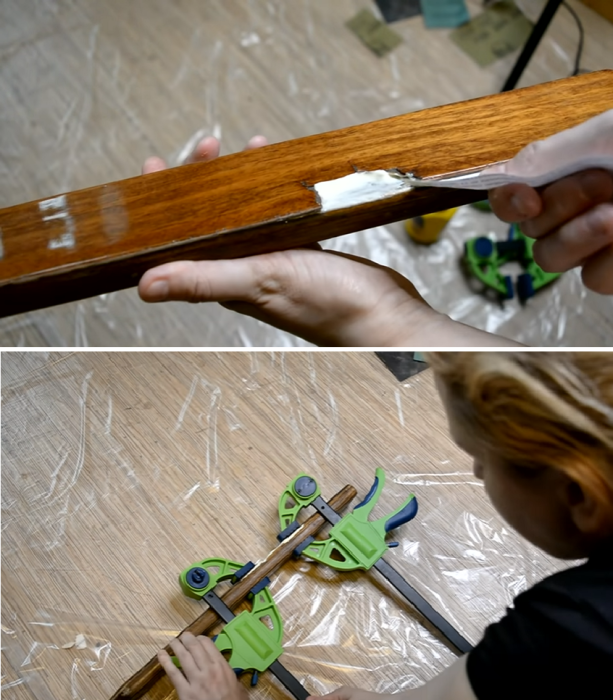 Отслойку щедро залить клеем, максимально зафиксировать и удалить излишки материала. | Фото: youtube.com/ © Светлана Анисимова.