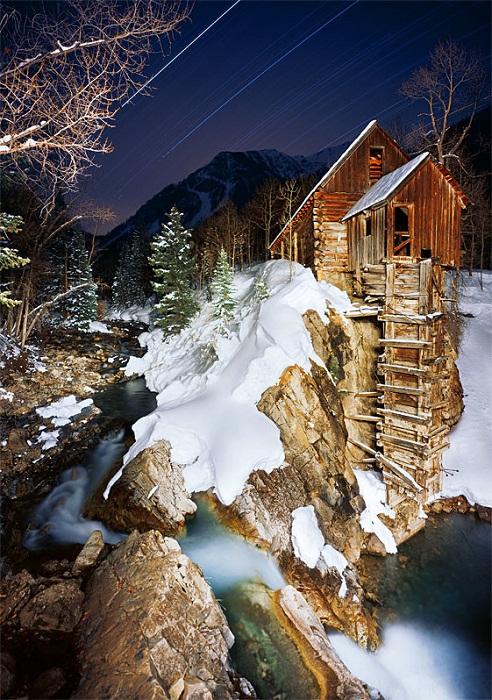 Прекрасное место для уединенного отдыха в любое время года (электростанция «Кристалл-Милл», США).