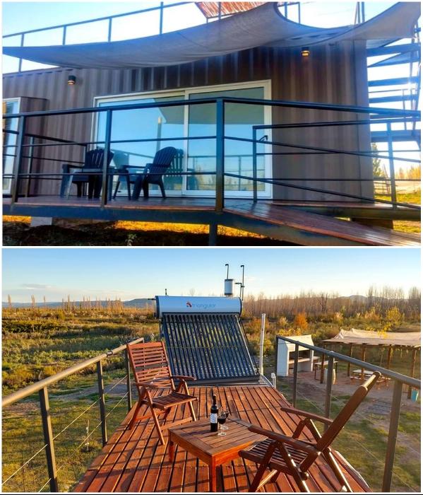 Для отдыха на свежем воздухе обустроили две открытые террасы. | Фото: glampinghub.com/ booking.com.