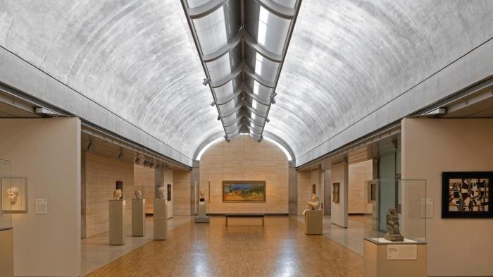 Луис Кан создал систему световых люков, аналогов которой нет в истории архитектуры (Kimbell Art Museum, США). | Фото: kidsvisitor.com.