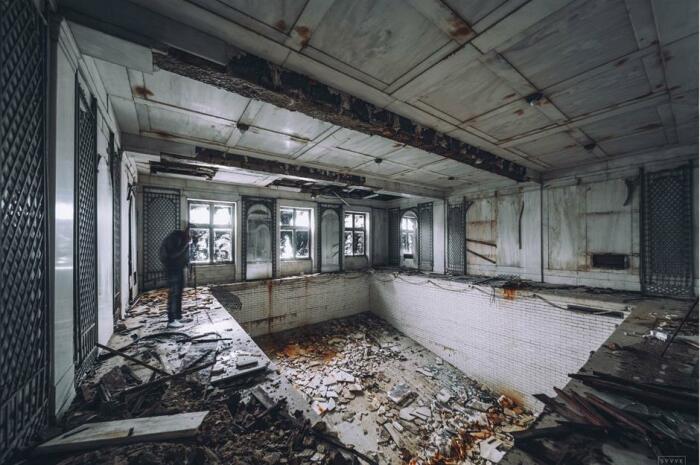 Покинутый наследниками поистине королевский особняк превращается в «заброшку» (Lynnewood Hall, Филадельфия). | Фото: msn.com.