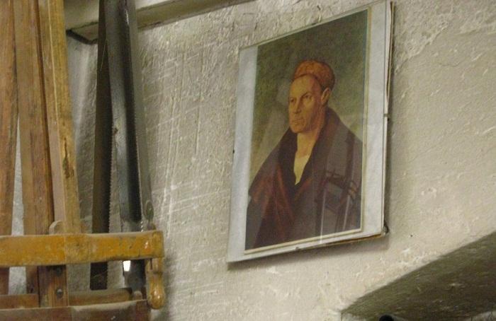 Портрет Якуба Фуггера на стене в музее.
