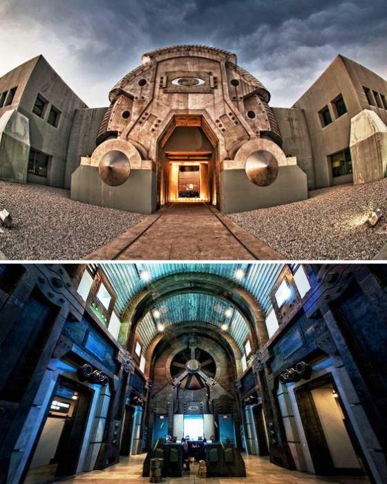 Такое сооружение ничего доброго не сулит (Штаб-квартира компании Oakley, Футхил Ранч, Лейк Форест в Калифорнии, США). | Фото: boredpanda.com.