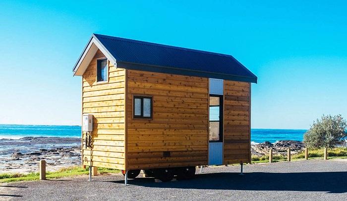 Такому мини-домику много площади для размещения не понадобится. | Фото: designerecotinyhomes.com.au.
