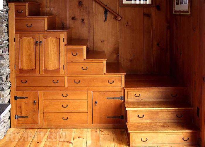 Ступени с ящиками лучше делать в те помещения, которые меньше посещают. | Фото: 7lestnic.com.