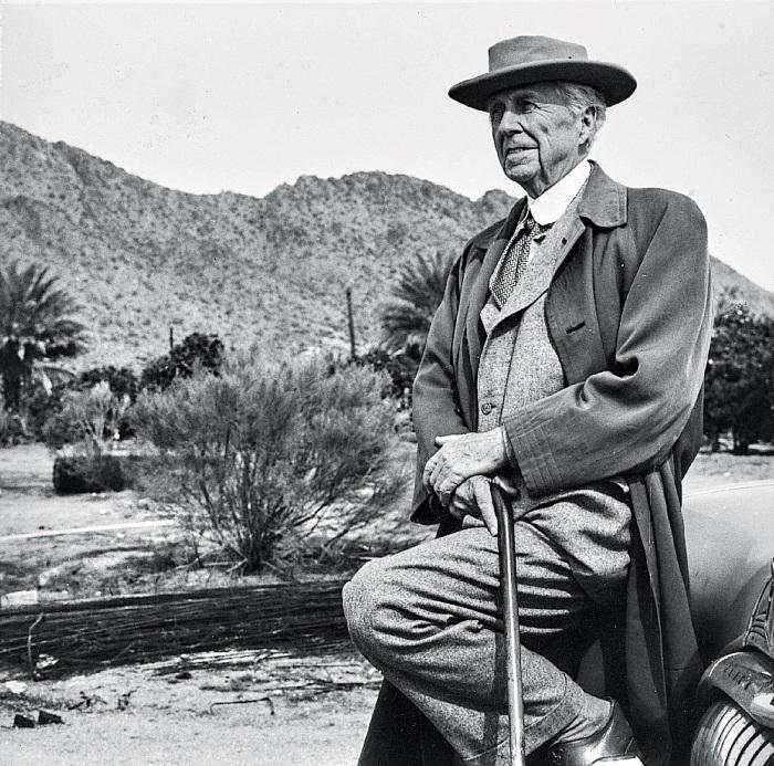 Фрэнк Райт (1867-1969 г.г.) называл себя «величайшим в мире архитектором» и всегда пропагандировал собственные идеи. | Фото: theartnewspaper.ru.
