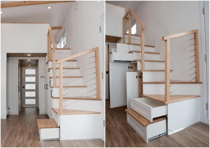 На второй ярус можно попасть по лестнице, со встроенными системами хранения, выполняющими роль кладовки (Magnolia V8).