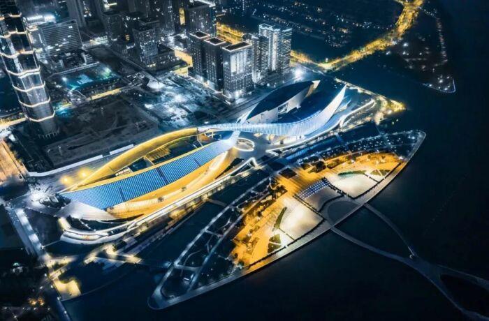 Культурный центр состоит из двух «крыльев» (Suzhou Bay Grand Theatre, Китай). | Фото: news.dichan.sina.com.cn.