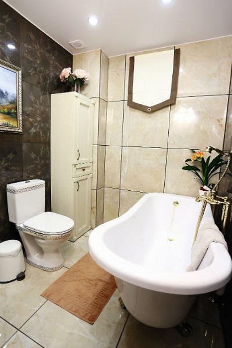 Ванная комната в загородном особняке Розы Сябитовой.