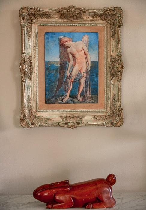 Редкие антикварные предметы и картины, привезенные из разных стран мира.   Фото: Тьяго Молинос (Tiago Molinos).