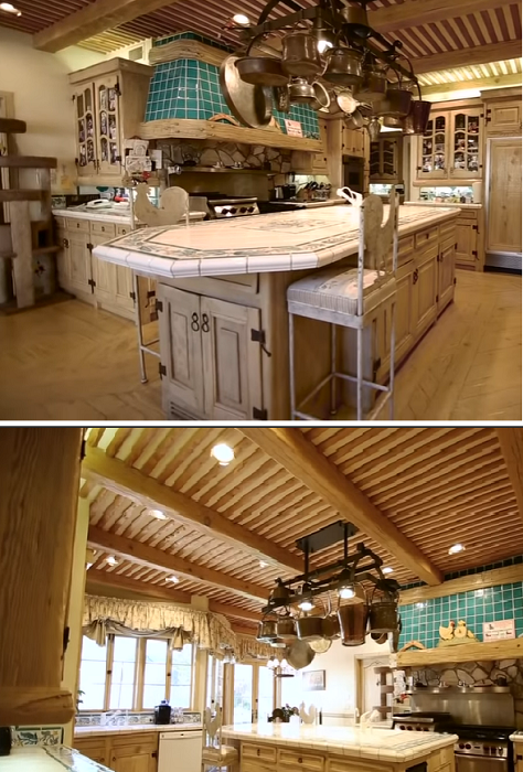 Кухня в усадьбе «Warner Estate» (Лос-Анджелес, США). | Фото: youtube.com/ © Open House TV.