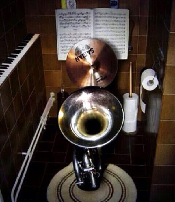 Ни минуты без музыки и инструмента!