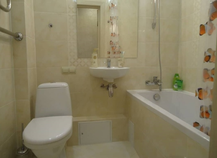 Стоит приложить усилия и вложить финансы, так ванная сразу превратится в прекрасную зону релакса. | Фото: facebook.com/ © Comfort Stroy.