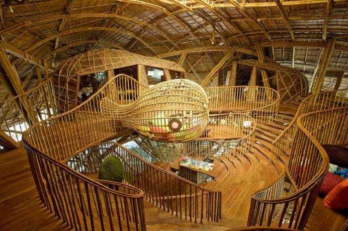 Детская библиотека расположена в джунглях (Soneva Kiri, Таиланд).