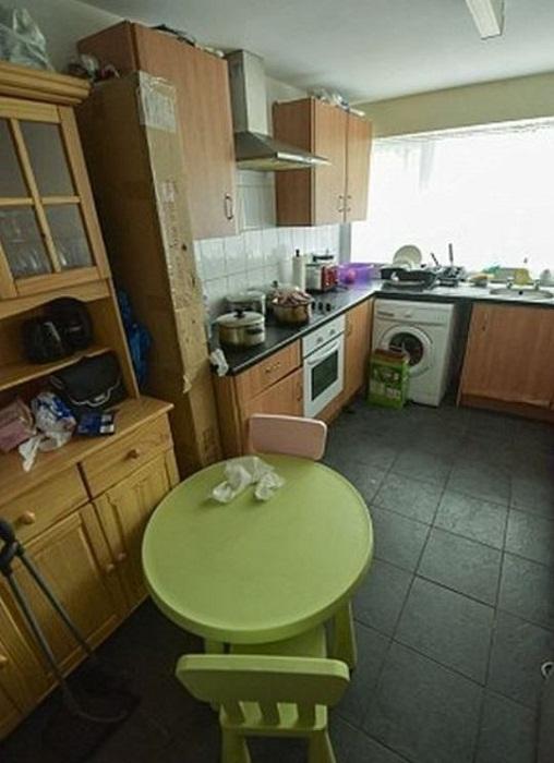 Кухня в их доме.