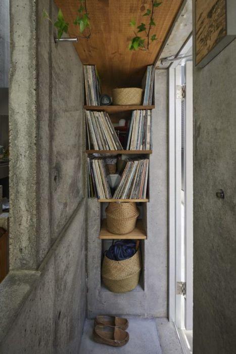 Каждый сантиметр внутреннего пространства мини-апартаментов задействованы по полной («Love2House», Токио). | Фото: archidea.com.ua/ © Koji Fujii Nacasa & Partners Inc.