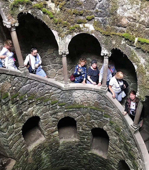 Спуск вниз – путь к самопознанию и перерождению (Quinta da Regaleira, Колодец Посвящения). | Фото: dergachev-va.livejournal.com.