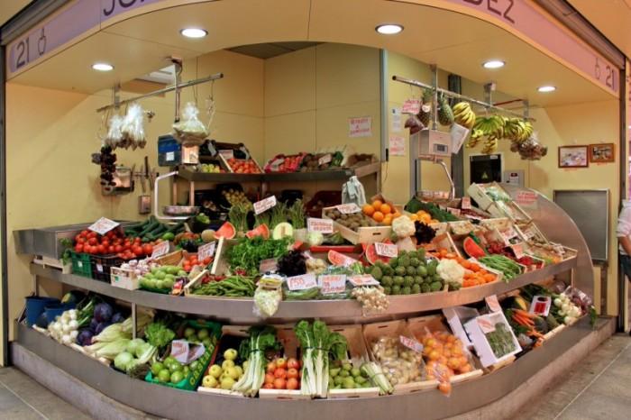 Торговые ряды центрального рынка, расположенного в «Metropol Parasol» (Севилья, Испания). | Фото: ispaniagid.ru.