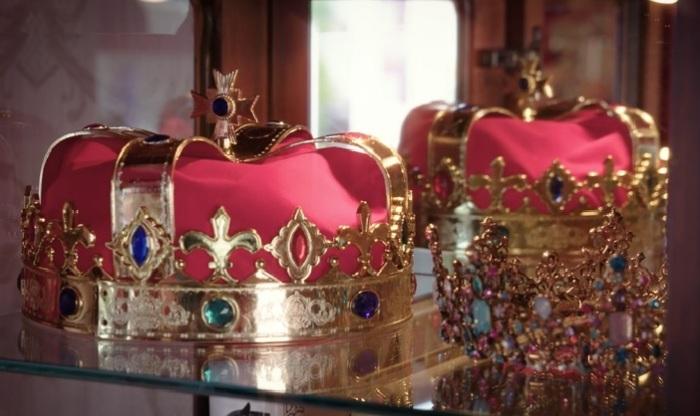 Неизменные атрибуты королевской власти обязательно потешат имперские амбиции гостей мини-отеля (Royal Caravan, Великобритания). | Фото: © Parkdean Resorts.