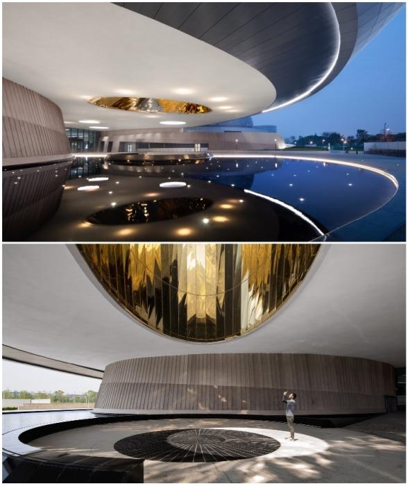 Окулус на куполе при входе в музей выступает в роли солнечных часов (The Shanghai Astronomy Museum, Китай).