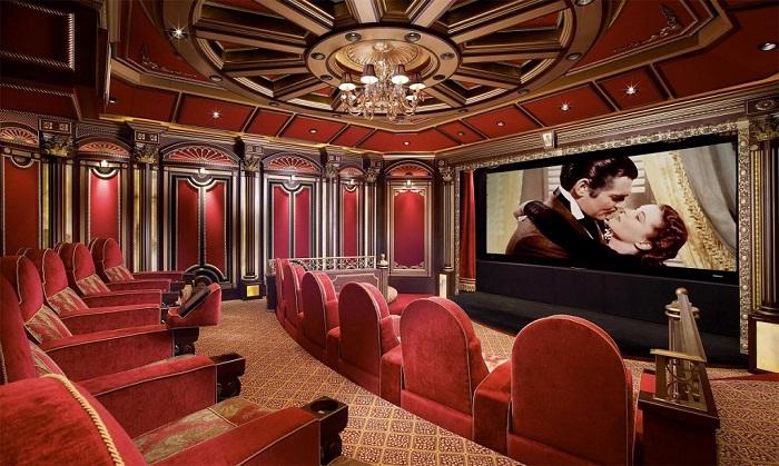 В особняке есть собственный кинотеатр (Антилия, Индия).