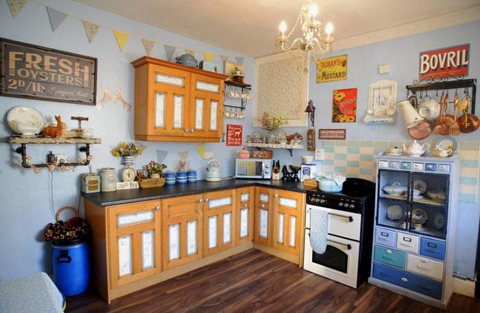 Кухня с ретро-интерьером.