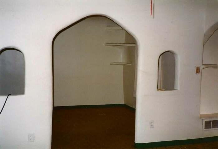 Натуральность и простота старинного итальянского стиля стала основным украшением интерьера. | Фото: preview.redd.it.
