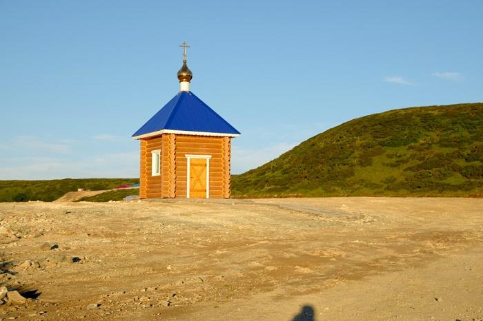 Часовня построена в честь Святого равноапостольного великого князя Владимира на острове Уруп (Курильские острова, Россия).
