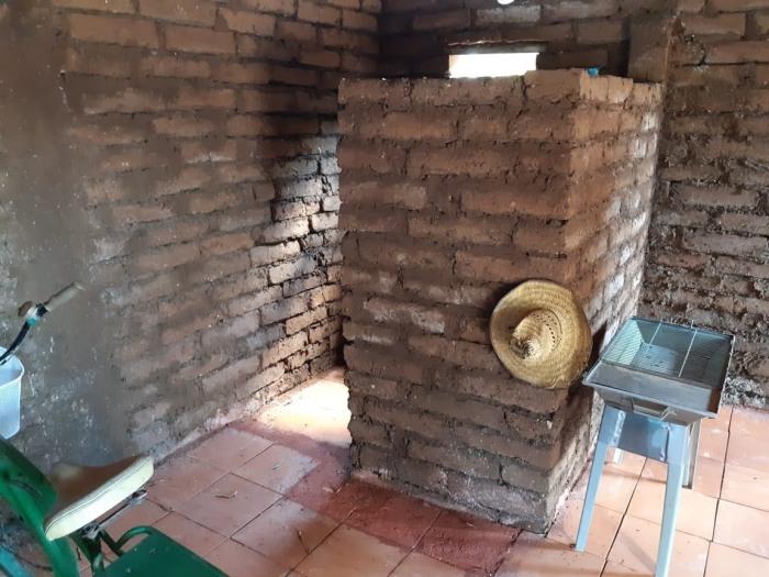 Дом из самана состоит из трех жилых комнат, кухни и санузла (Кинтана-Роо, Мексика). | Фото: journal.homemania.ru.