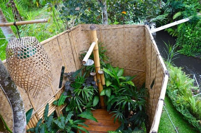 Оригинальный душ (эко-дом на Бали).