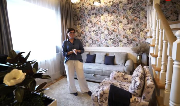 Гостиная в квартире Ольги.   Фото: youtube.com/ INMYROOM TV.