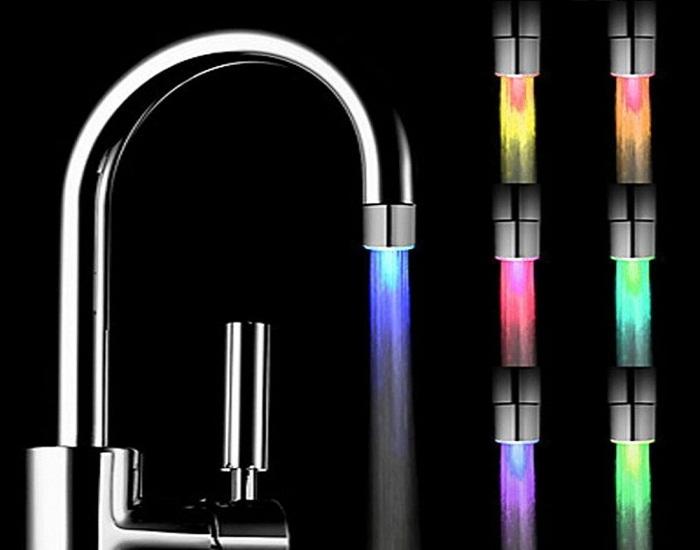 Специальная насадка поможет определить температуру воды.
